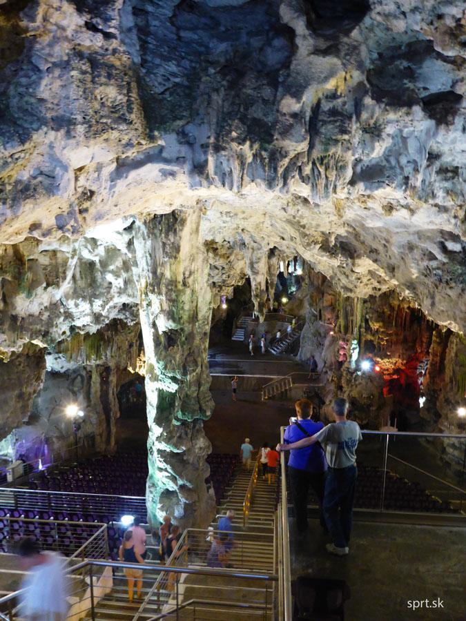 Gibraltar, Anglicko, England, jaskyňa