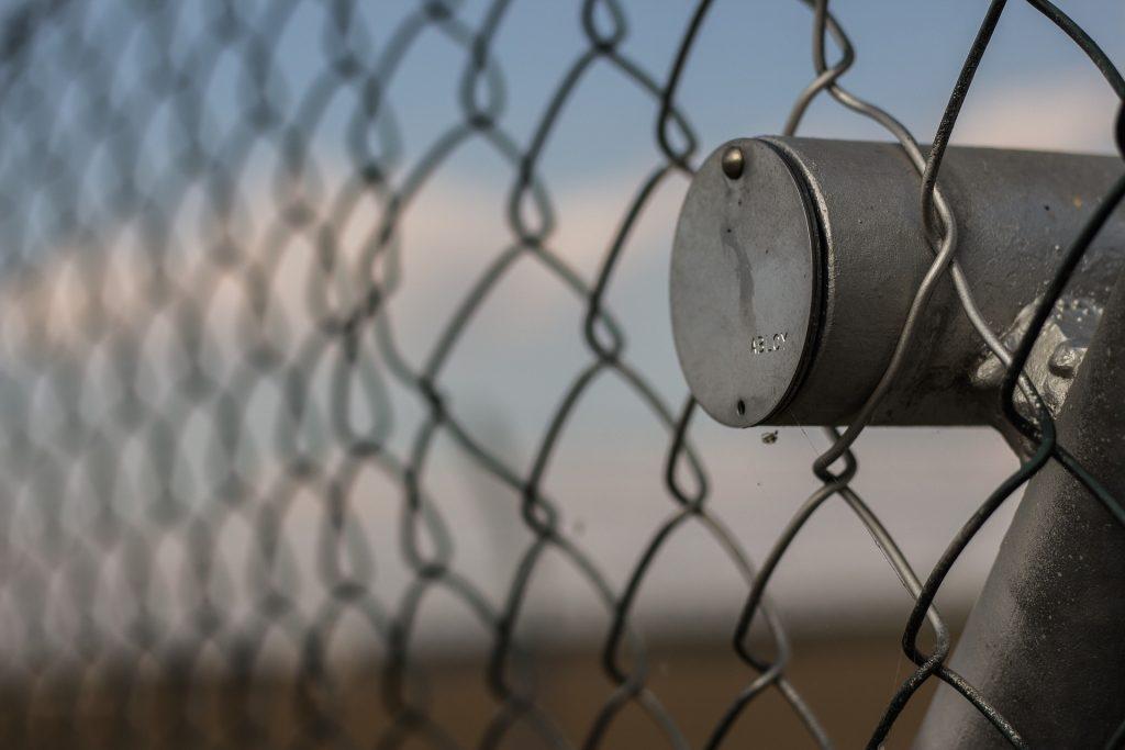 zliatina oceľ - plot