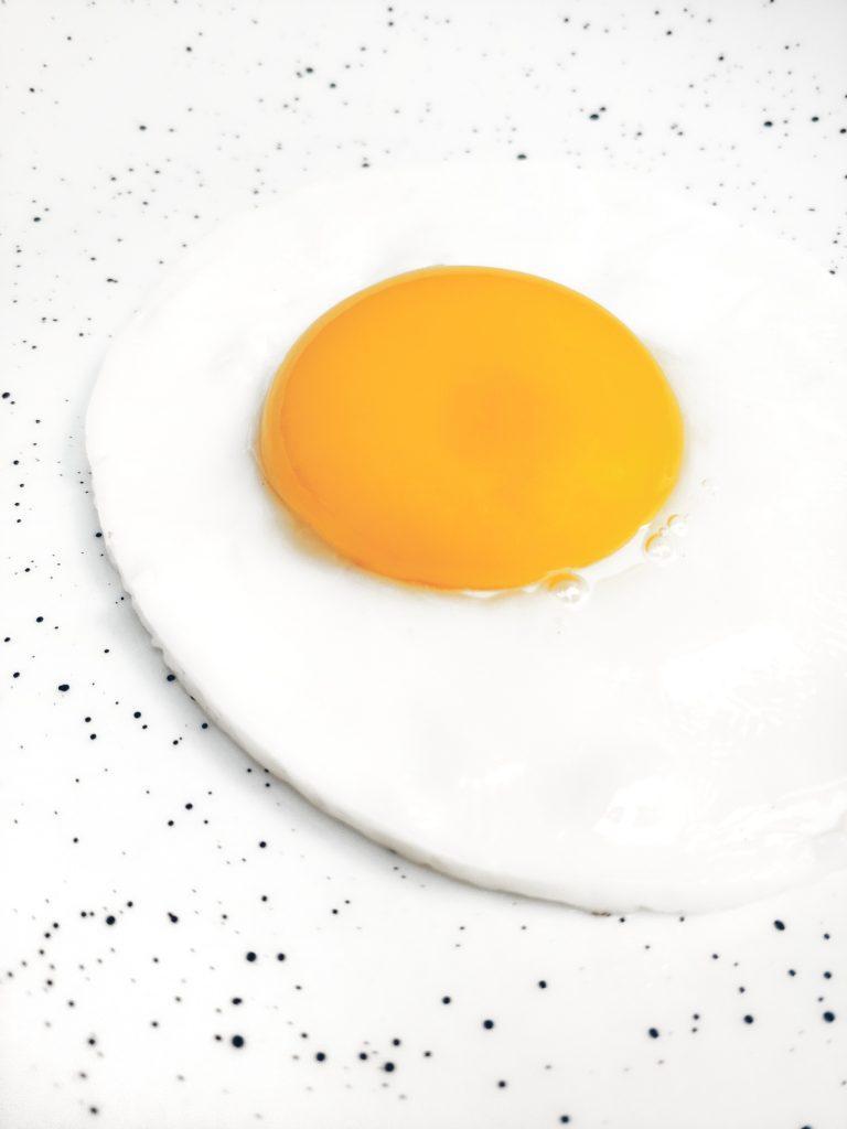 kovy-vápnik-vajce